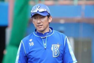 DeNA・三浦大輔コーチ【写真:荒川祐史】