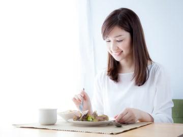 健康に夏を乗り切るために重要な食生活。夏バテ予防にも症状改善にも、一番大切なポイントは「バランスよく、まんべんなく」です。