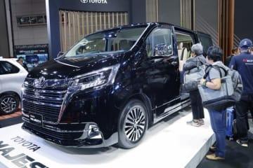 タイ国トヨタ自動車(TMT)は、高級バン「マジェスティ」を発売した=16日、タイ・バンコク(NNA撮影)