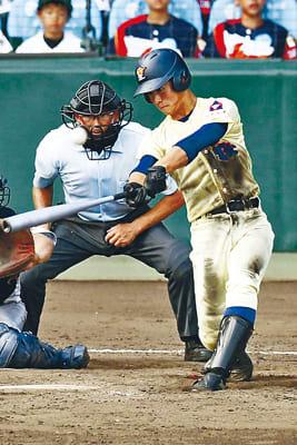 星稜―仙台育英 9回表星稜無死、内山が左越えに2打席連続となる本塁打を放つ=甲子園