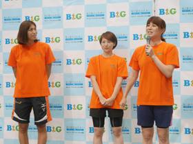 トークショーを行うオリンピアンの中村さん、種田さん、上田さん(右から)