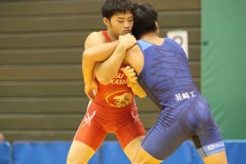 西田衛人の2連覇を阻止し、ユース・オリンピック代表の意地を見せた山田脩(千葉・日体大柏)=撮影・矢吹建夫