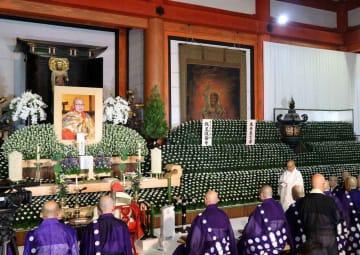 東寺食堂で営まれた砂原氏の本葬儀(京都市南区)