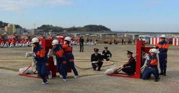 操法大会や訓練などにも積極的に参加している宮崎市の学生消防団員(宮崎市消防局提供)