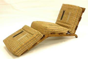 パリで再び展示されることになった折りたたみ式寝台(県立博物館提供)