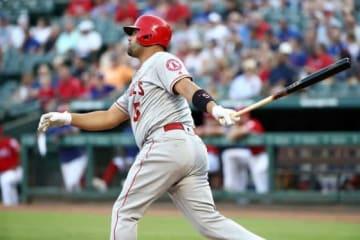 19号本塁打を放ったエンゼルスのアルバート・プホルス【写真:Getty Images】