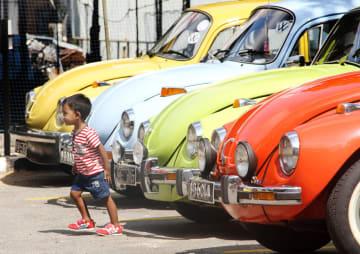 VW「ビートル」大集結 スリランカ愛好家がイベント開催