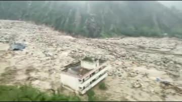 強い雨で山体崩壊が発生、一部道路が通行止め 四川省