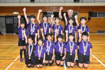 全日本バレーボール小学生大会で準優勝に輝いた日南ラビッツバレーボールクラブ