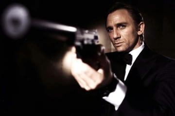 人気スパイ映画「007」で主人公のスパイ、ジェームズ・ボンドを演じるダニエル・クレイグさん(EON PRODUCTIONS提供、英PA通信=共同)