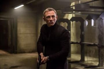 タイトルを直訳すると「死ぬ時間がない」 - 写真は映画『007 スペクター』より - MGM / Columbia / Photofest / ゲッティ イメージズ