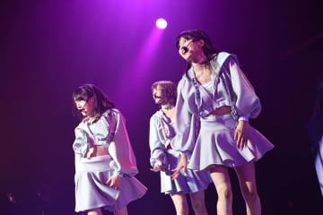 AKB48[ライブレポート]チームB 太田奈緒、センターでの怒涛のダンスナンバー3曲連続披露で会場を圧倒!