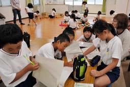 兵庫県内の学童保育で土曜や夏休み中の開所時間を前倒しする動きが広がっている=姫路市北条