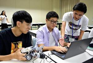 香港理工大生、会津大で研究交流 ロボット分野ワークショップ