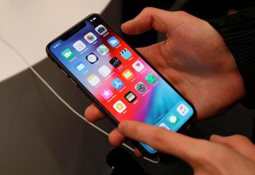 アップル、中国製有機EL採用か スマホ用、韓国リスク回避と報道 画像