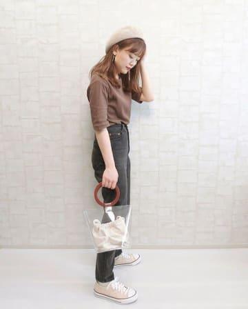 夏服を買い足すなら秋も使える「ブラウン」を選びましょ♪ 夏から秋まで着倒せるブラウンアイテム5選
