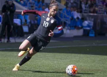 CHESTER, PENNSYLVANIA - APRIL 10: Carli Lloyd #10 of the United States controls the ball against Colombia at Talen Energy Stadium on April 10, 2016 in Chester, Pennsylvania. The United States defeated Colombia 3-0. (Photo by Mitchell Leff/Getty...
