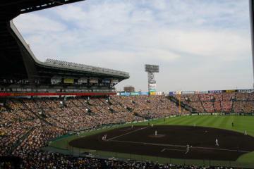 夏の甲子園は22日に阪神甲子園球場で決勝戦が行われる