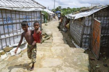 バングラデシュ南東部コックスバザールのロヒンギャ難民キャンプ=22日(共同)