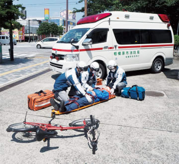 市民の命を救う救急車。市消防局では適正な利用を呼びかけている