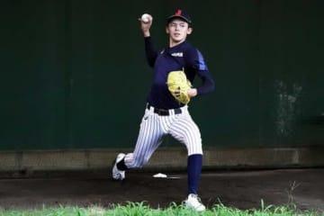 侍ジャパンU-18合宿でブルペン投球を行った佐々木朗希【写真:Getty Images】