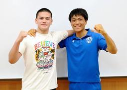本戦に向けて意気込む坂平涼介さん(右)と平郡理央さん=蒼開高校