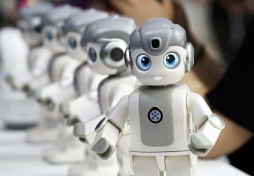 さまざまなロボットを一斉にお披露目 世界ロボット博覧会