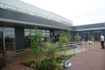 新病院のシンボルとして期待されるリハビリ庭園
