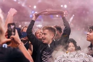 『Dota 2』e-Sportsチーム「OG」が世界大会2連覇、獲得賞金は約16億円超