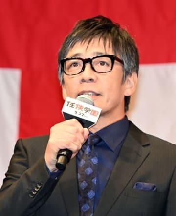 映画「任侠学園」の完成披露試写会に登壇した生瀬勝久さん