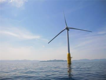 本年度の促進区域指定がなくなり、青森県沿岸で洋上風力発電が普及するにはしばらく時間がかかる見通しだ=長崎県五島市沖(写真はイメージ、同市提供)