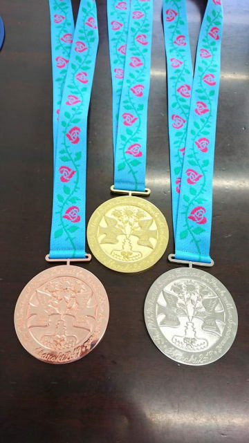 茨城国体の上位入賞者に授与される金、銀、銅のメダル