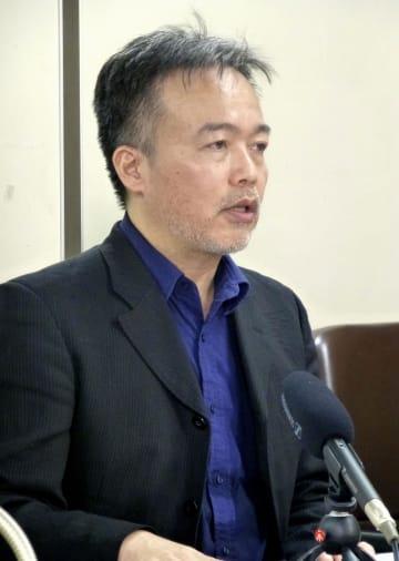 日弁連に人権救済を申し立て、記者会見する常岡浩介さん=29日午後、東京・霞が関の司法記者クラブ
