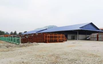 杉孝グループホールディングスが開設するトレンガヌ州クママンの機材センター(同社提供)