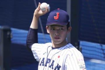 キャッチボールを再開した侍U-18代表の大船渡・佐々木朗希【写真:荒川祐史】