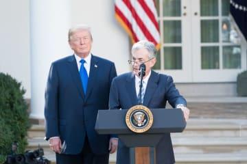 FRBのパウエル議長とトランプ大統領(ホワイトハウス公式より)。米国、そして世界経済の行方は