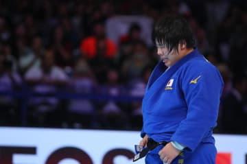 初の金メダルを手にした素根輝 Photo:Sachiko Hotaka