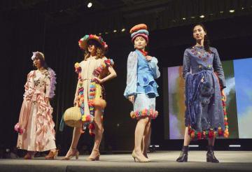 東京都内で開かれた「東京アフリカコレクション」=1日午後