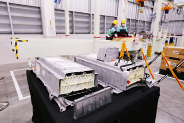 Toyota Motor Thailand Co.'s process of hybrid vehicle battery recycling at a plant in Chachoengsao Province, east of Bangkok. (Photo courtesy of the company)