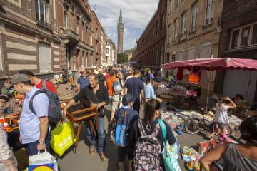 欧州最大級の「蚤の市」に250万人が来場 フランス・リール