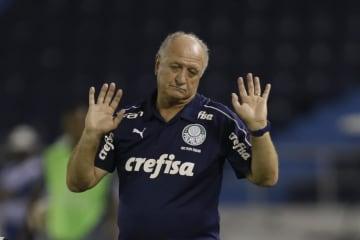 リベルタドーレス杯で指揮を執るパルメイラスのスコラリ監督=3月、バランキージャ(AP=共同)