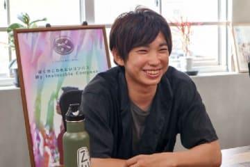 トモヤさん(2019年8月、弁護士ドットコム撮影、東京都内)