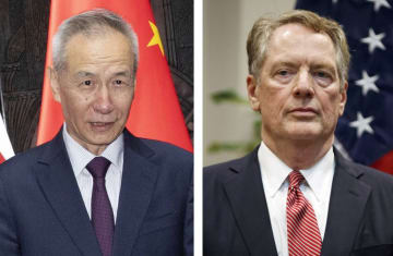 中国の劉鶴副首相(左)、ライトハイザー米通商代表(いずれもAP=共同)