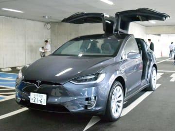 市川市長がリース契約解除を表明したテスラSUVタイプ「モデルX」