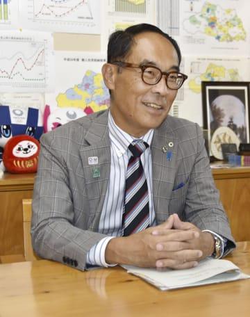 共同通信のインタビューに応じる埼玉県の大野元裕知事
