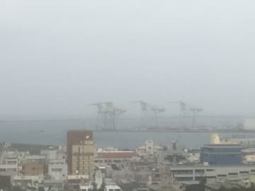 台風13号、本島でも風雨が強まりました。宮古島の被害が心配です。
