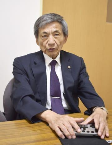取材に応じる日本盲人会連合の竹下義樹会長=6日、京都市中京区