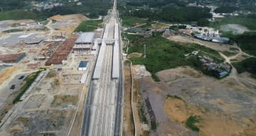 成都市と貴陽市結ぶ高速鉄道、全線の軌道敷設を完了