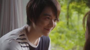 俳優の小池徹平さんが出演したドラマ「奪い愛、夏」の第5話の1シーン=AbemaTV提供