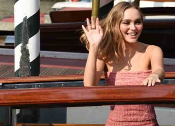 Lily Rose-Depp arrives at the 76th Venice Film Festival - Celebrity Sightings - Day 5 (KIKA/WENN.com)